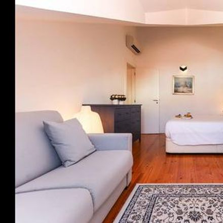 Rent this 2 bed apartment on Lisbon in São José, ÁREA METROPOLITANA DE LISBOA