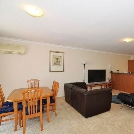 Rent this 3 bed apartment on 10/14 Forrest Avenue