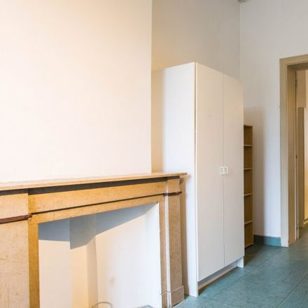 Rent this 10 bed apartment on Rue du Moulin - Molenstraat 41 in 1210 Saint-Josse-ten-Noode - Sint-Joost-ten-Node, Belgium