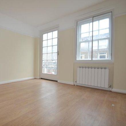 Rent this 2 bed apartment on Freshwater Parade in Bishopric, Horsham RH12 1QJ
