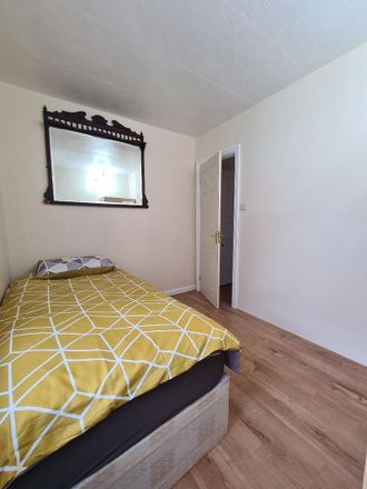 Rent this 5 bed room on Taplow in Hornby Close, London NW3 3JL