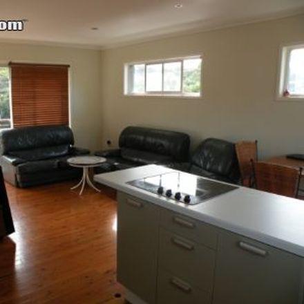 Rent this 3 bed house on Dandar Drive in Molendinar QLD 4215, Australia