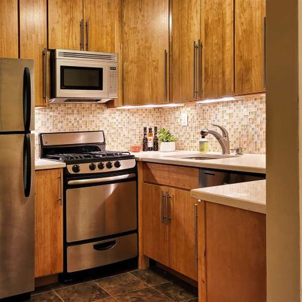 Rent this 2 bed apartment on Barrow St in Jersey City, NJ
