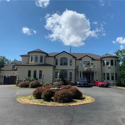Rent this 6 bed house on 215 Central Avenue in Edison, NJ 08817