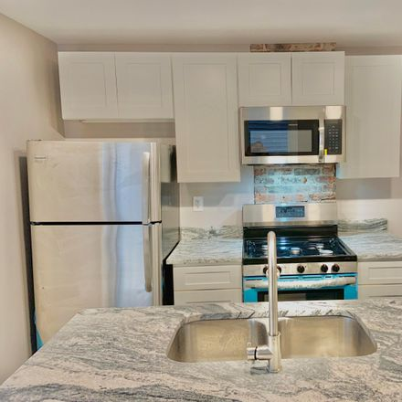 Rent this 2 bed condo on 1371 City Park Avenue in Columbus, OH 43207