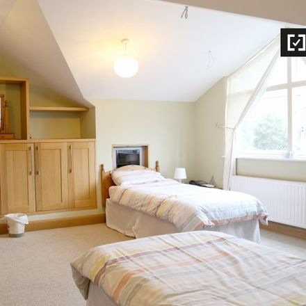 Rent this 5 bed apartment on Ardbeg Crescent in Beaumont C ED, Dublin