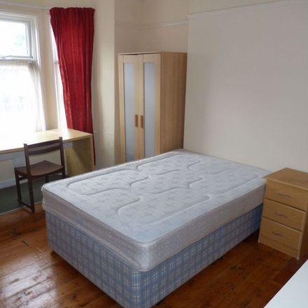 Rent this 5 bed apartment on Eglwys Bresbyteraidd Cymru Y Crwys in Gordon Road, Cardiff