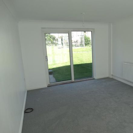 Rent this 3 bed house on Wells Crescent in Chichester PO19 5EU, United Kingdom