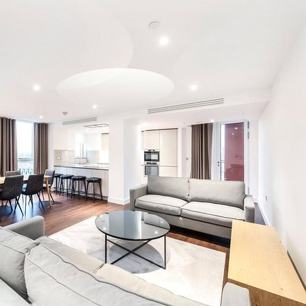 Rent this 3 bed apartment on Sainsbury's in Wandsworth Road, London SW8 2ET
