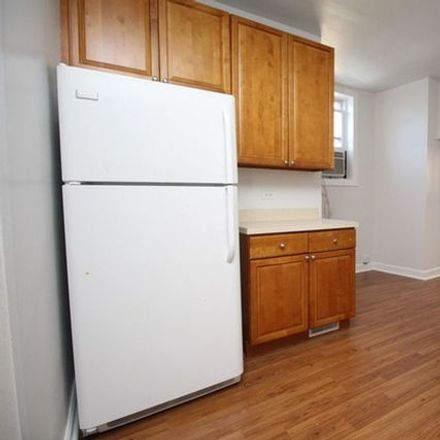 Rent this 2 bed townhouse on 6 National Street in Elgin, IL 60123