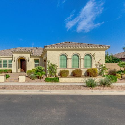 Rent this 4 bed house on 2920 East Harwell Road in Phoenix, AZ 85042