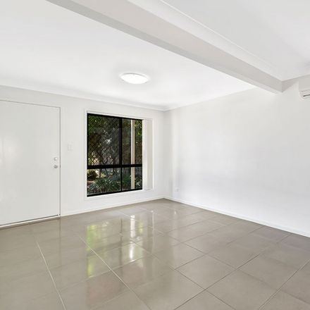 Rent this 3 bed townhouse on ID:21066008/9 Milan Street