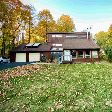 Rent this 3 bed house on 5 John Court in Lloyd, NY 12528