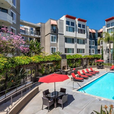 Rent this 1 bed apartment on Reservoir Street in Los Angeles, CA 90026-3148