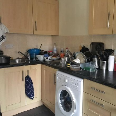 Rent this 6 bed house on 32 Granby Grove in Southampton SO17 3RZ, United Kingdom