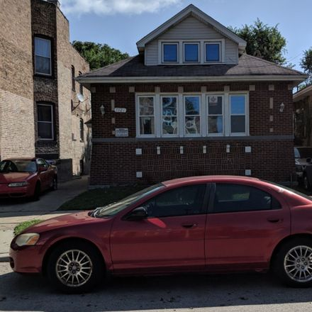 Rent this 5 bed house on 7021 South Woodlawn Avenue in Chicago, IL 60637