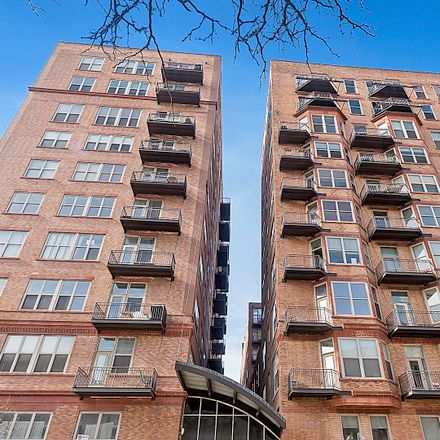 Rent this 2 bed loft on 500 South Clinton Street in Chicago, IL 60607