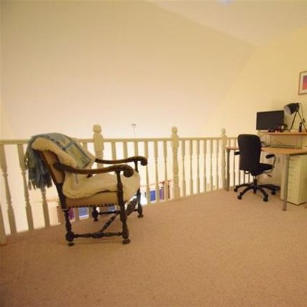 Rent this 2 bed apartment on Marina Spice Lounge in Grand Union Canal, Dacorum HP3 9WQ