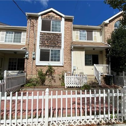 Rent this 3 bed house on 15 Dreyer Avenue in New York, NY 10314