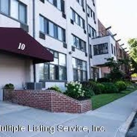 Rent this 2 bed loft on 10 Bay Street Landing in New York, NY 10301