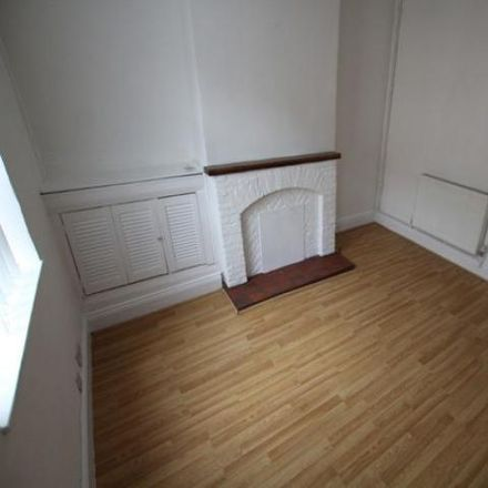 Rent this 3 bed house on Craven Street in East Staffordshire DE13 0TR, United Kingdom