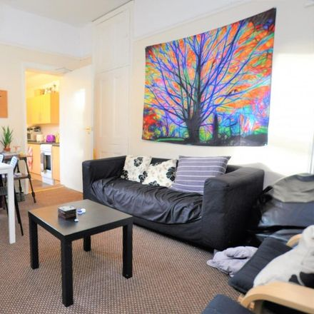 Rent this 5 bed apartment on Tavistock Road in Newcastle upon Tyne NE2 3JA, United Kingdom