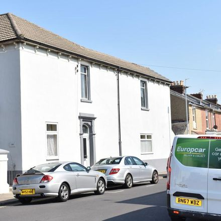 Rent this 6 bed house on Bailey's Road in Portsmouth PO5 1ES, United Kingdom