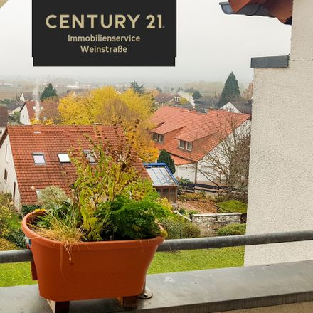 Rent this 2 bed apartment on Maconring 80 in 67434 Neustadt, Germany