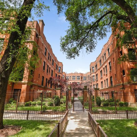 Rent this 3 bed condo on 1110 West Pratt Boulevard in Chicago, IL 60626