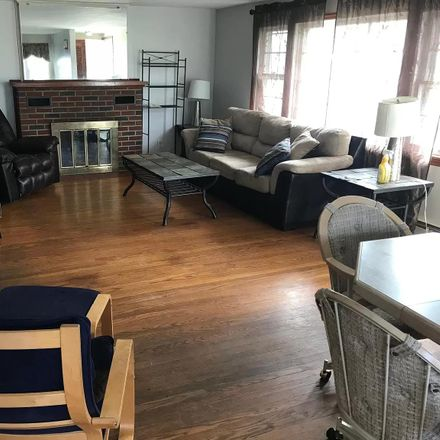 Rent this 1 bed apartment on 3555 Myrtle Ave in Long Beach, CA 90807