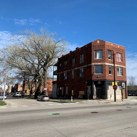 Rent this 14 bed duplex on 801-803 South California Avenue in Chicago, IL 60629