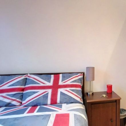 Rent this 3 bed apartment on Hutchings Wharf in 1 Hutching's Street, London E14 8JY