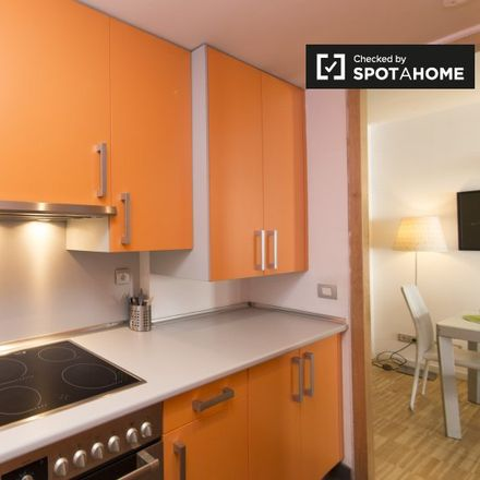 Rent this 3 bed apartment on Calle de la Colegiata in 6, 28012 Madrid