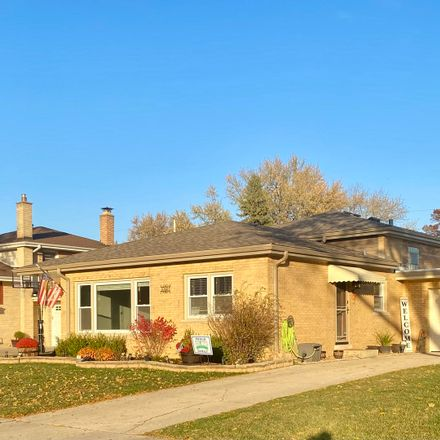 Rent this 3 bed house on 10605 S Kildare Ave in Oak Lawn, IL