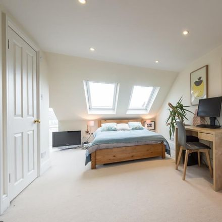 Rent this 4 bed house on Ethelden Road in London W12 7BG, United Kingdom