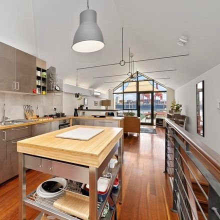 Rent this 2 bed house on 8/1A James Street