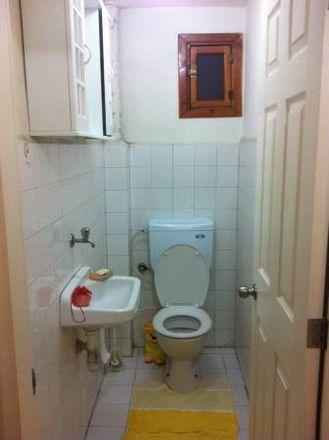 Rent this 3 bed room on Kamer Eczanesi in Babil Sokak 13/A, 34373 Şişli