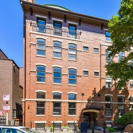 Rent this 3 bed condo on 928-930 West Dakin Street in Chicago, IL 60613