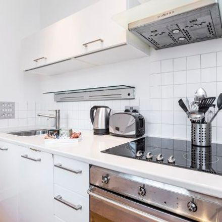 Rent this 1 bed apartment on Crystal Kebab in York Way, London N1