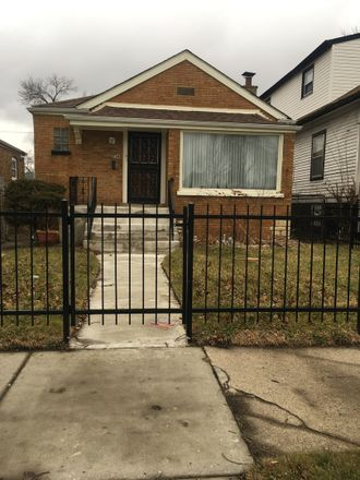 Rent this 3 bed house on 554 West 87th Street in Chicago, IL 60628:60827