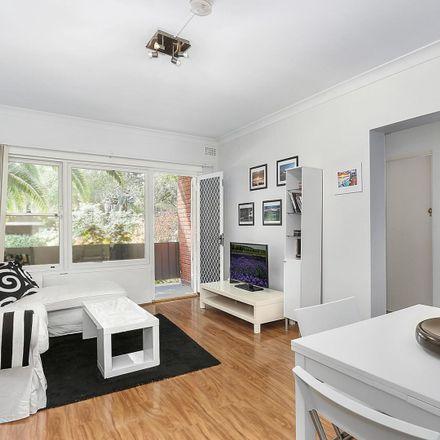 Rent this 2 bed apartment on 1/44 Denham Street