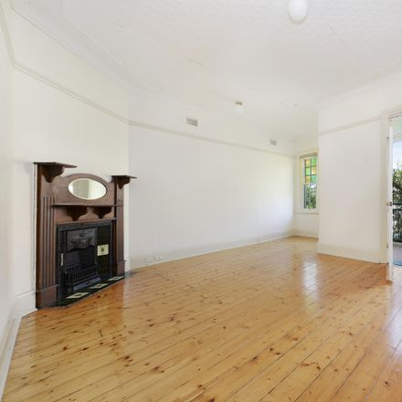 Rent this 1 bed apartment on 3/2-4 Balfour Road