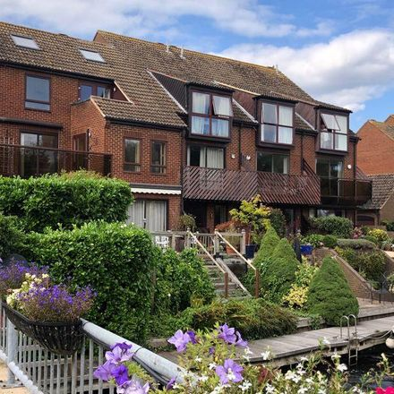 Rent this 3 bed house on Temple Mill Island in Bisham SL7 1SG, United Kingdom
