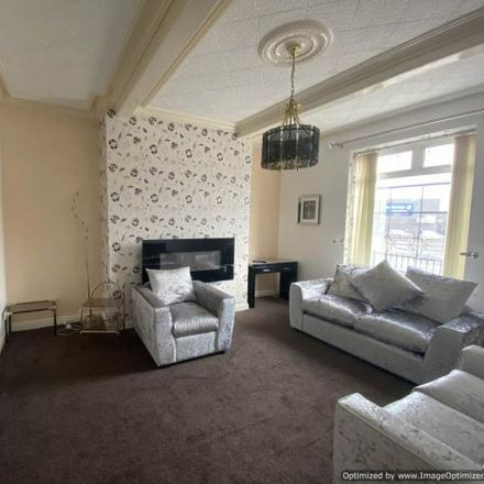 Rent this 4 bed house on Albany Street in Kirklees HD1 3QX, United Kingdom