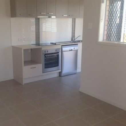 Rent this 2 bed house on 2/65 Kyoto Street