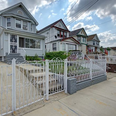 Rent this 3 bed townhouse on 209th St in Queens Village, NY