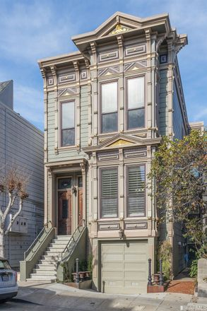 Rent this 3 bed apartment on 17th Street in San Francisco, CA 94114