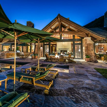 Rent this 7 bed house on Aspen
