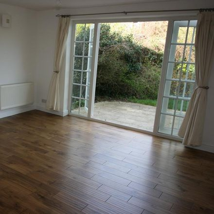 Rent this 2 bed apartment on The Avenue in Datchet SL3 9DH, United Kingdom