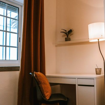 Rent this 12 bed apartment on Rua Professor Branquinho da Fonseca in 2775-054 Carcavelos e Parede, Portugal